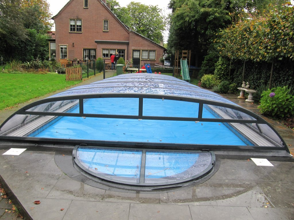 Discret dreamcover acoperiri profesionale de piscine for Acoperiri piscine